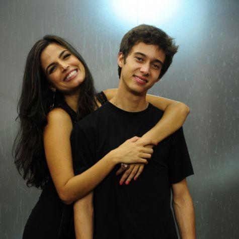 Emanuelle Araújo e Guilherme Hamacek (Foto: TV Globo)