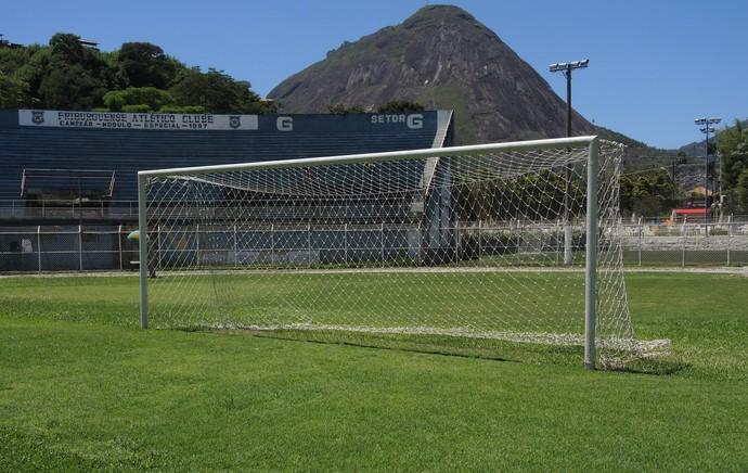 Estádio Eduardo Guinle, do Friburguense, em Nova Friburgo (Foto: Jessica Mello / GloboEsporte.com)