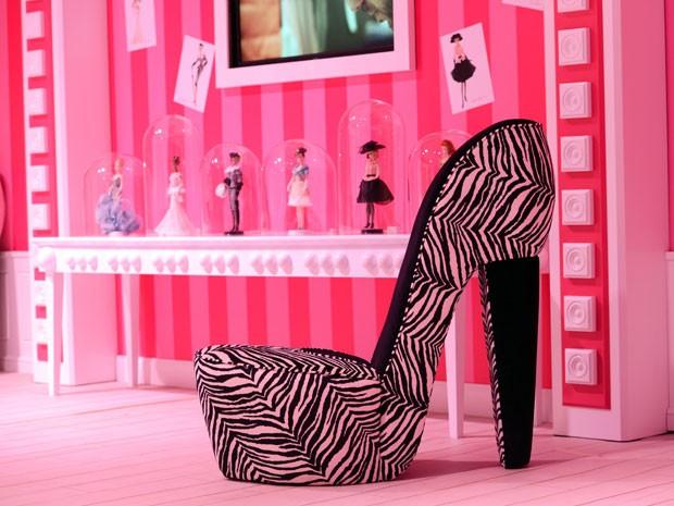 Sapato gigante na Casa dos Sonhos da Barbie, em Berlim (Foto: Fabrizio Bensch/Reuters)