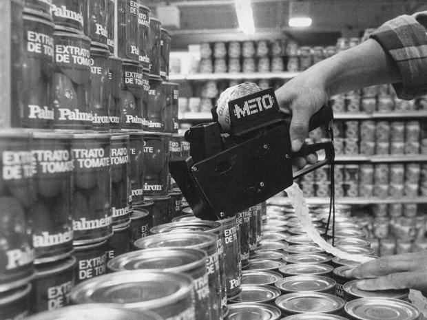 Máquinas que remarcavam os preços dos produtos nos supermercados foi aposentada   (Foto: ARQUIVO/ESTADÃO CONTEÚDO)