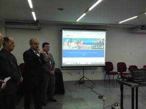 Portal da Transparência é apresentado durante coletiva de imprensa no TCE-AL (Foto: Micaelle Morais/G1)