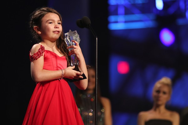 A atriz Brooklynn Prince durante o Critics Choice Awards 2018 (Foto: Getty Images)