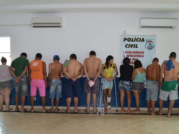 Operação prendeu 15 pessoas por tráfico de drogas (Foto: Divulgação/SSP)