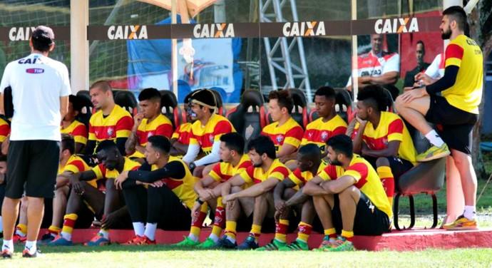 Vitória; Mancini; treino; conversa (Foto: Francisco Galvão/ECV/Divulgação)