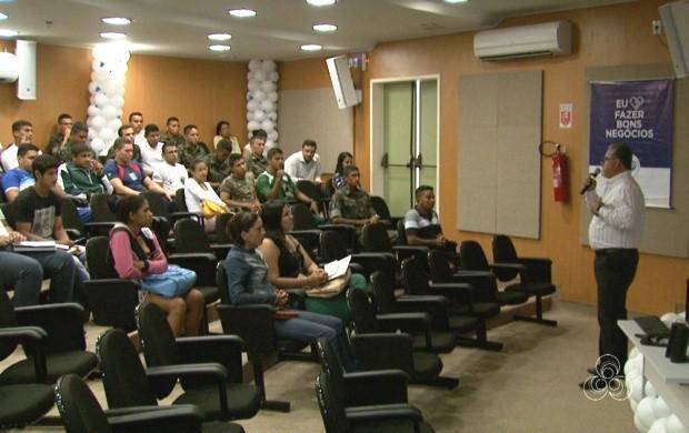 Empresários e estudantes participam de palestra sobre inovação e sustentabilidade (Foto: Bom Dia Amazônia)