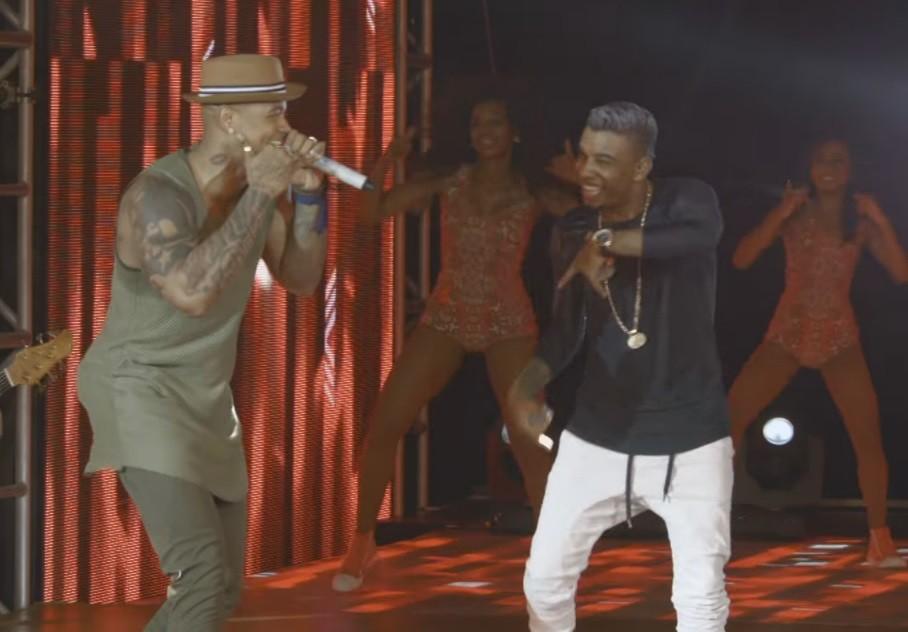 Lo Santana e MC TH danam ao som de 'Vidro Fum' (Foto: Reproduo/YouTube)