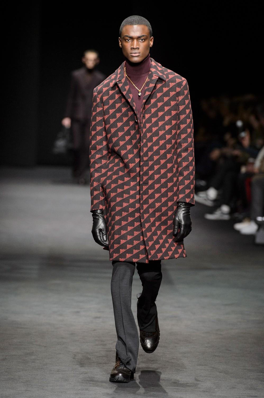Versace na Semana de Moda 2017, em Milão  (Foto: ImaxTree)
