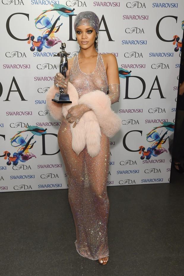 Rihanna em prêmio de moda em Nova York, nos Estados Unidos (Foto: Larry Busacca/ Getty Images/ AFP)