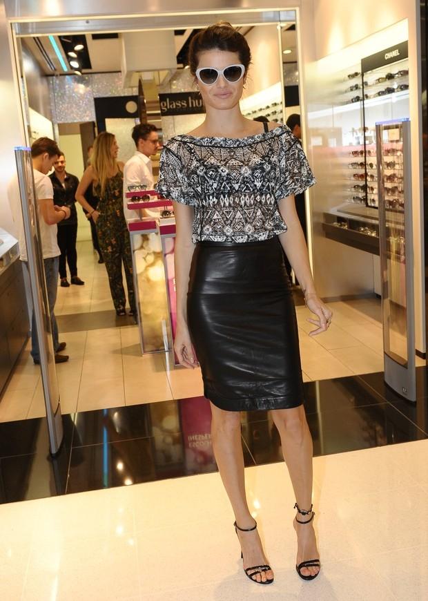 e8fd7ae28f49f Isabelli Fontana em shopping de São Paulo (Foto  Francisco Cepeda   AgNews)
