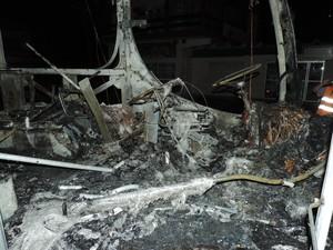 Veículo ficou destruído em Blumenau (Foto: Jaime Batista da Silva/Divulgação)