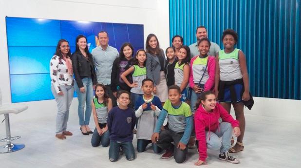 Alunos visitam a Inter TV Alto Litoral (Foto: Jéssica Borges/ G1)