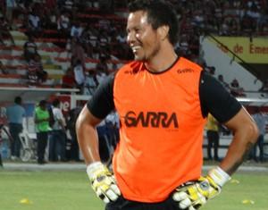 goleiro juninho, central (Foto: André Ráguine / GloboEsporte.com)