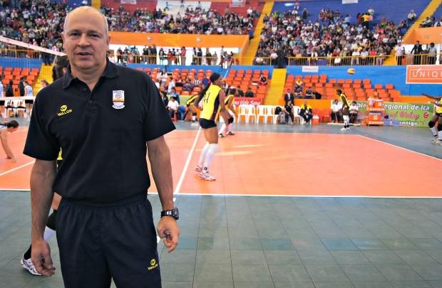 Mauro Morais, brasileiro e técnico da Colômbia (Foto: Thierry Gozzer)