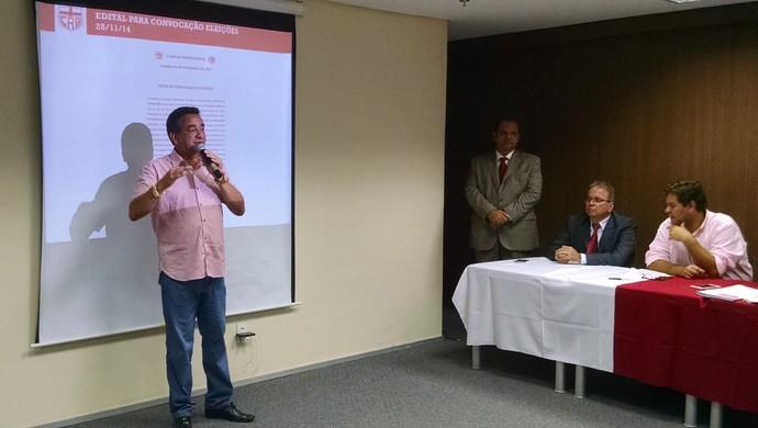 Marcos Barbosa é aclamado presidente do CRB (Foto: Paulo Victor Malta/GloboEsporte.com)