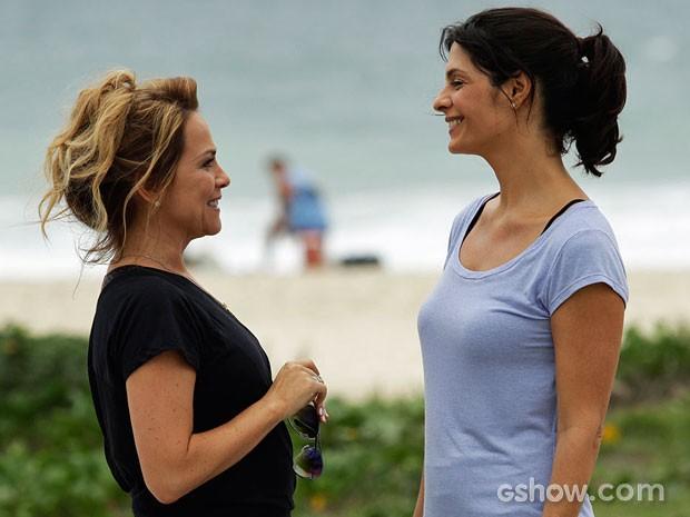 Atrizes não perderam o bom humor durante o dia de trabalho (Foto: Fábio Rocha/TV Globo)