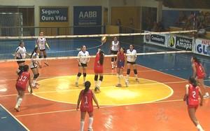 Jogo de vôlei adulto feminino na AABB-AC (Foto: Reprodução/TV Acre)