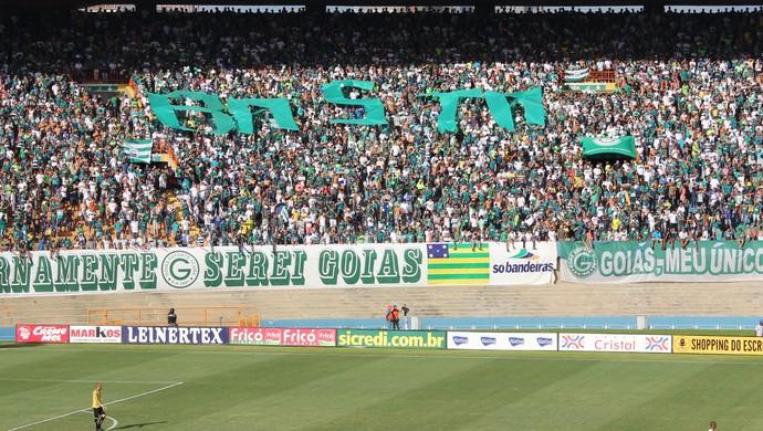 Protesto - torcida goiás (Foto: Fernando Vasconcelos / Globoesporte.com)