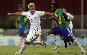 Nova Zelândia vence com um gol no fim e avança em primeiro do grupo