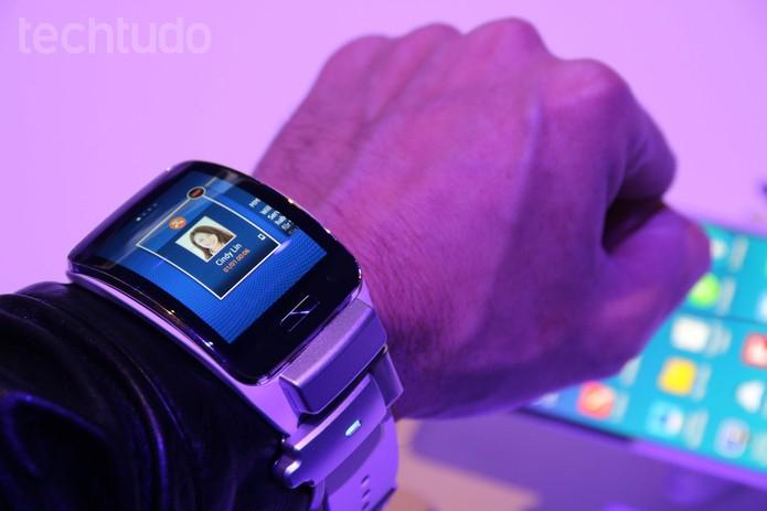 Samsung Gear S (Foto: Fabricio Vitorino/ TechTudo)