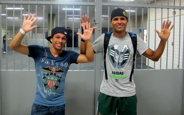 Wellington Nem e Anderson fazem dancinha no Fluminense (Foto: Rafael Cavalieri / Globoesporte.com)