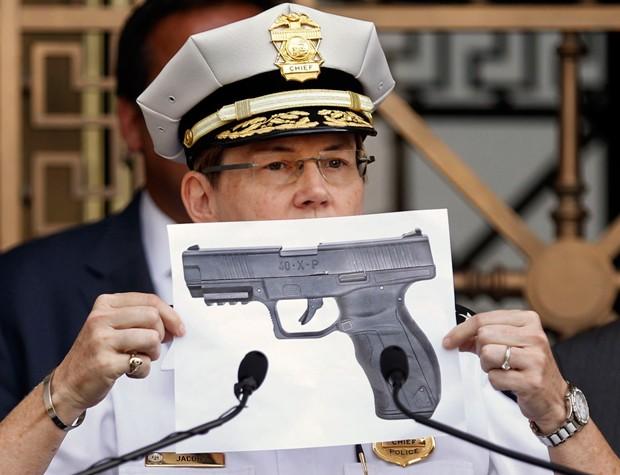 Garoto portava uma arma de ar comprimido quando foi morto (Foto: Fred Squillante/The Columbus Dispatch/AP)
