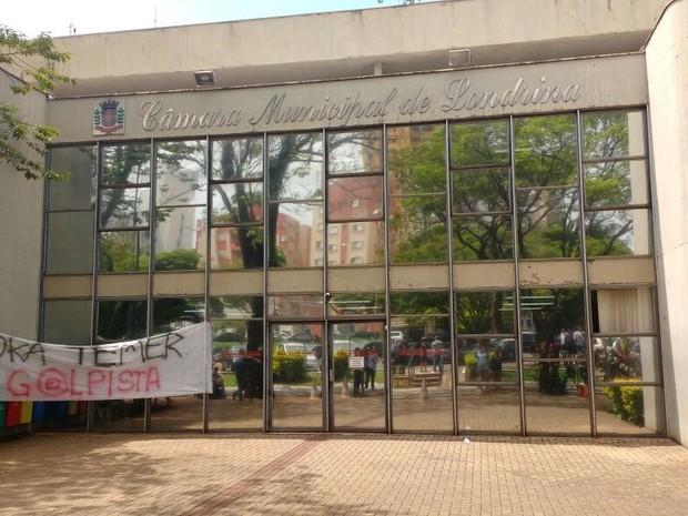 Estudantes ocuparam a Câmara de Vereadores em Londrina  (Foto: Tiago Pereira/RPC)