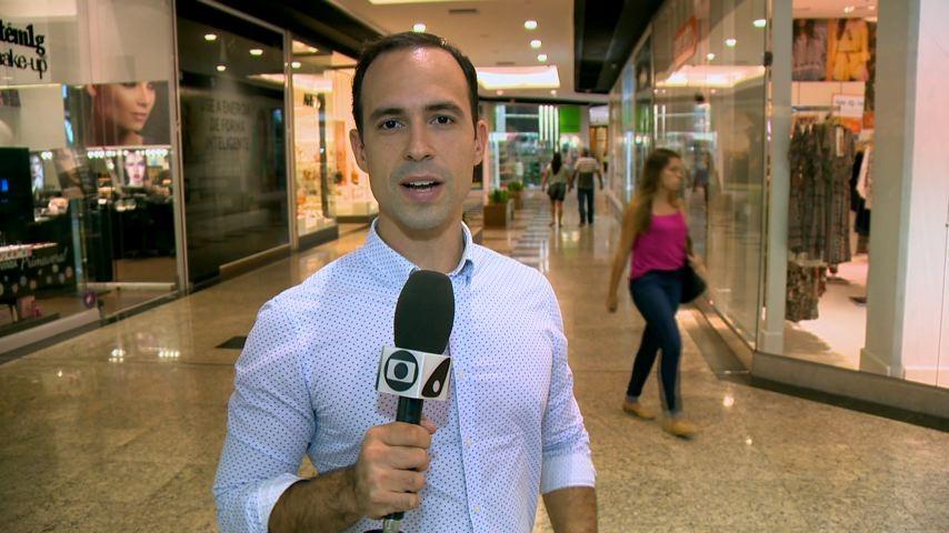 Fábio Linhares comanda a matéria (Foto: Divulgação/ TV Gazeta)