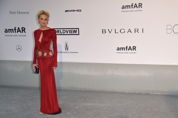 Sharon Stone no baile da amfAR em Cannes (Foto: AFP / Agência)
