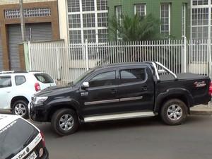 Caminhonete que suspeitos roubaram de família em Piracicaba (Foto: Wesley Justino/EPTV)