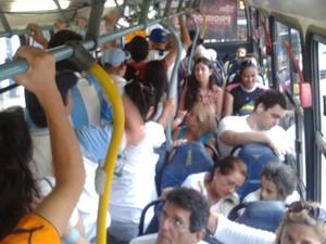 Turistas reclamaram da falta de informações e de guias turísticos (Foto: Gabriel Barreira/G1)