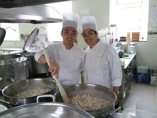 Chef do restaurante La Varenne elaboraram um cardápio especial para o almoço desta quarta-feira (27) (Foto: Bibiana Dionísio/ G1)