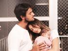 Mariana Uhlmann posta foto fofa com Felipe Simas e a filha, Maria
