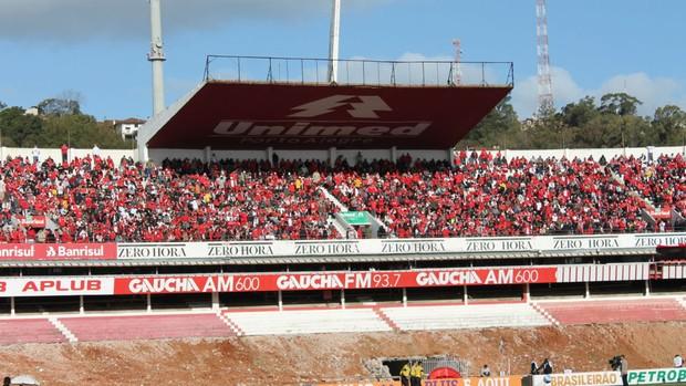 Beira-Rio com 100% das arquibancadas inferiores em obras (Foto: Diego Guichard / GLOBOESPORTE.COM)