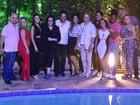 Ana Carolina curte festa com Letícia Lima e outros famosos