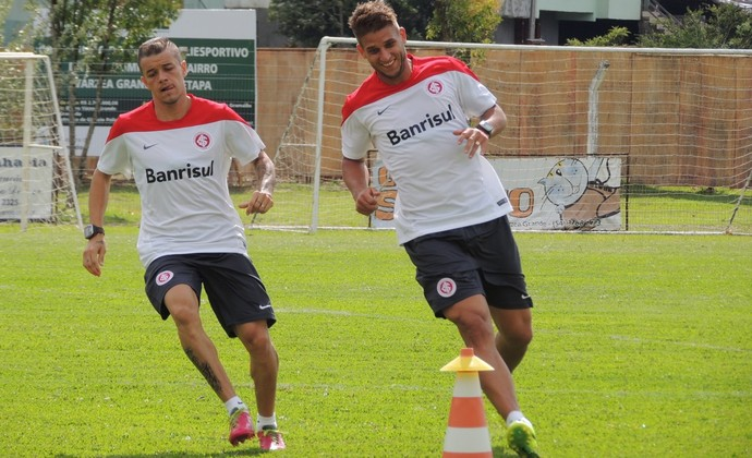 D'Alessandro e Rafael Moura treinam pelo Inter (Foto: Tomás Hammes/GLOBOESPORTE.COM)