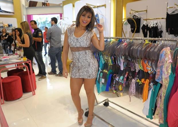 Babi Rossi em loja em São Paulo (Foto: Francisco Cepeda / AgNews)