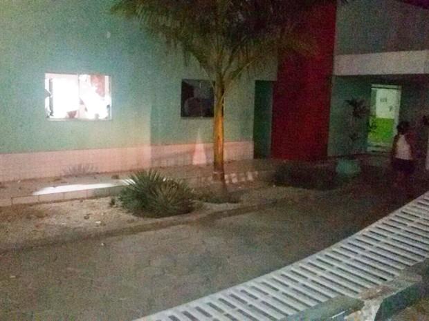 Sede administrativa de Urbano Santos foi depredada e saqueada pela multidão (Foto: Orleans Júnior / Divulgação)