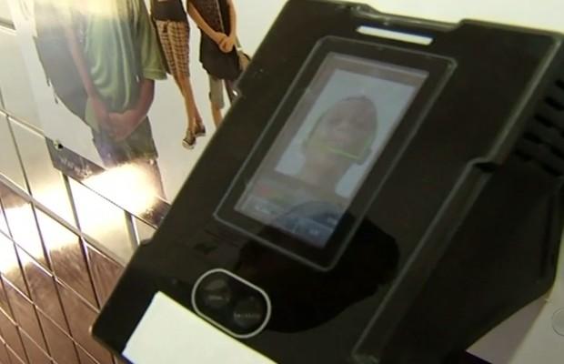 Escola adota reconhecimento facial para controlar frequência de alunos, em Anápolis, Goiás (Foto: Reprodução/TV Anhanguera)