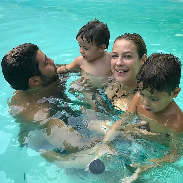Pedro Scooby e Luana Piovani com os filhos (Foto: Reprodução/Instagram)