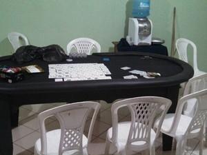 Bomba: polícia descobre cassino em cima de igreja evangélica