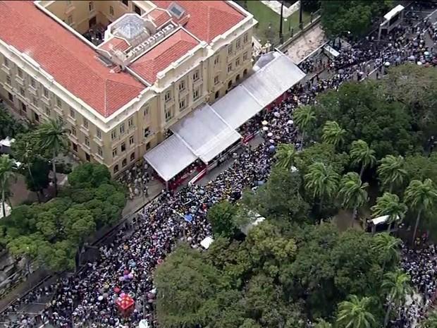 Missa em homenagem a Eduardo Campos Gnews (Foto: Reprodução GloboNews)