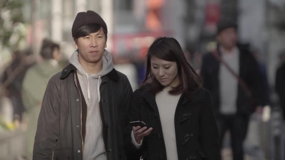 Estudo também aponta um aumento dos solteiros que não estão em um relacionamento (Foto: BBC)