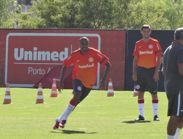 Cassiano trabalha com grupo principal do Inter (Foto: Tomás Hammes / GLOBOESPORTE.COM)