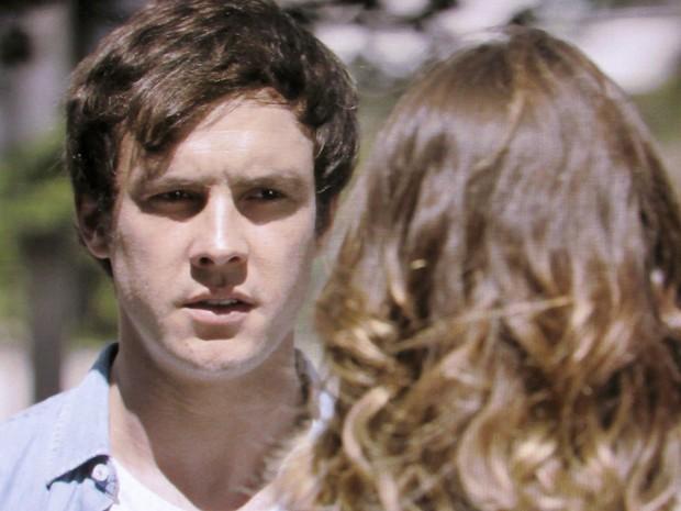 Caíque cobra explicações após ter sido abandonado no altar (Foto: TV Globo)