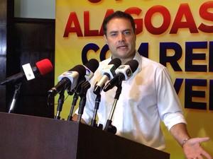 Renan Filho concede entrevista um dia após ser eleito governador de Alagoas (Foto: Natália Souza/G1)