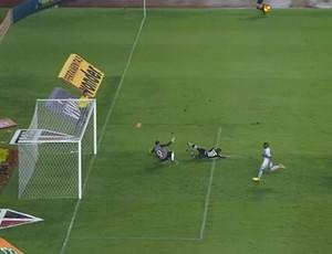 Seedorf gol perdido São Paulo Botafogo (Foto: Reprodução SporTV)
