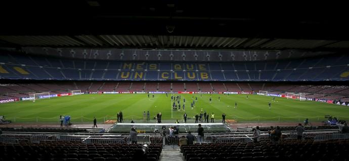 Camp Nou para Barcelona x BATE Borisov (Foto: Reuters)