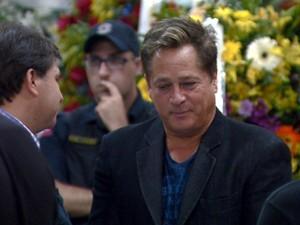 O cantor Leonardo no velório do amigo José Rico, na Câmara de Americana (SP)   (Foto: Reprodução EPTV)