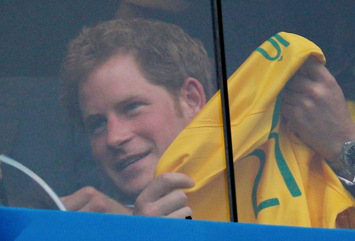Príncipe Harry no Mané Garrincha Brasil x Camarões (Foto: Reuters)