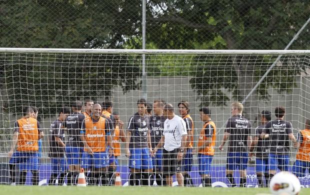 Jogadores do Grêmio treinam fisicamente no Olímpico (Foto: Wesley Santos/Agência PressDigital)